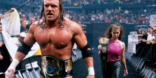 triple-h-stephanie-wrestlemania-2000-600x300